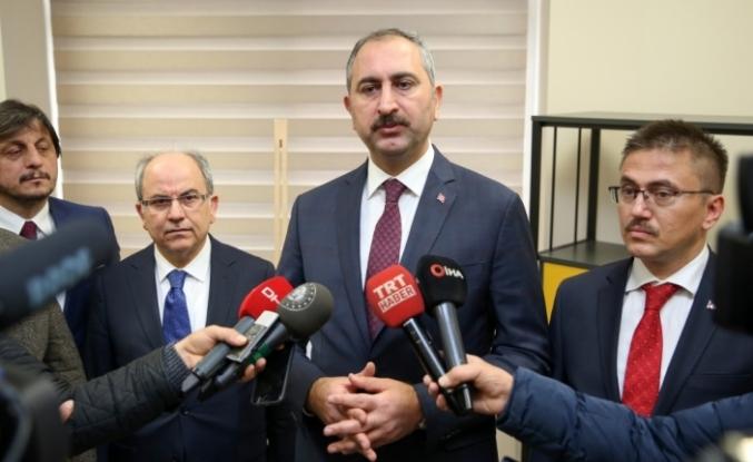 Adalet Bakanı Abdulhamit Gül, Van'da temaslarda bulundu: