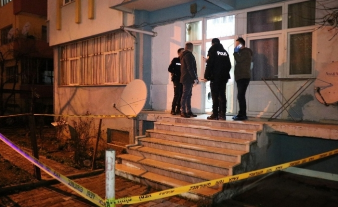 Bolu'da, karısını 32 yerinden bıçaklayarak öldüren sanık ilk kez hakim karşısında