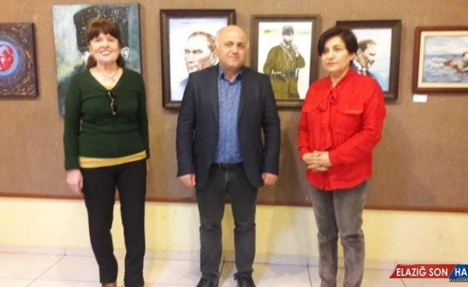 Adanalı 22 ressam Tarsus'ta sergi açtı