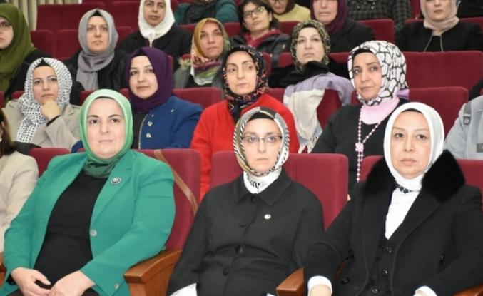 AK Parti'li Çam Malatya'da depremzedeleri ziyaret etti: