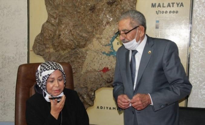AK Partili Çalık, muhtarı Dışişleri Bakanı Çavuşoğlu ile telefonla görüştürdü