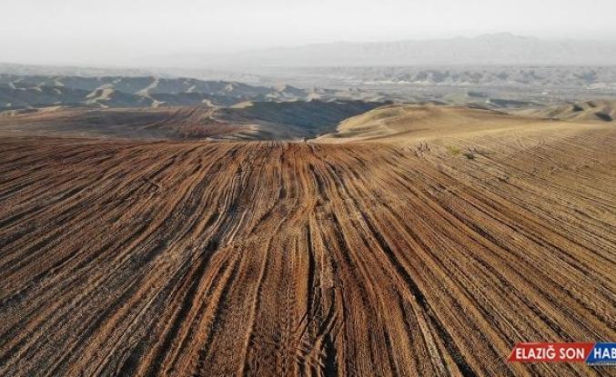 İşgalden kurtarılan Zengilan'daki araziler tarıma hazırlanıyor