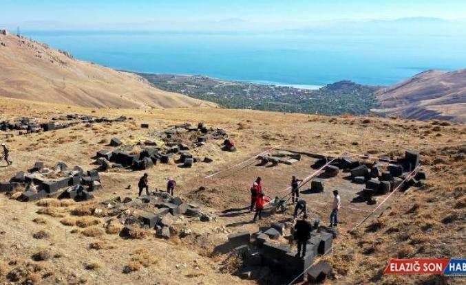 Kef Kalesi'nde 50 yıl sonra kazı çalışmaları başladı