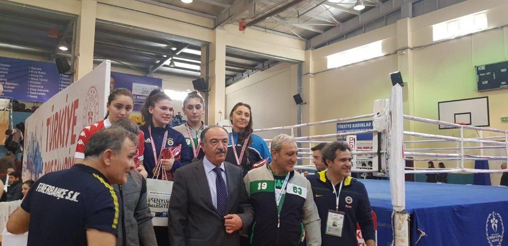 Merkez Haberleri: Boks şampiyonasında Türkiye üçüncüsü oldu 85